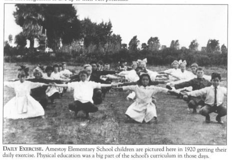 Oldest photo of Amestoy students